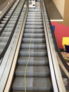 Escalator cleaning machine STEP 100